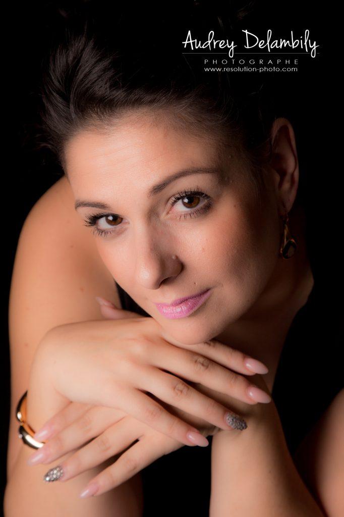 seance-photo-femme-studio-toulon-audrey-delambily-photographe-1