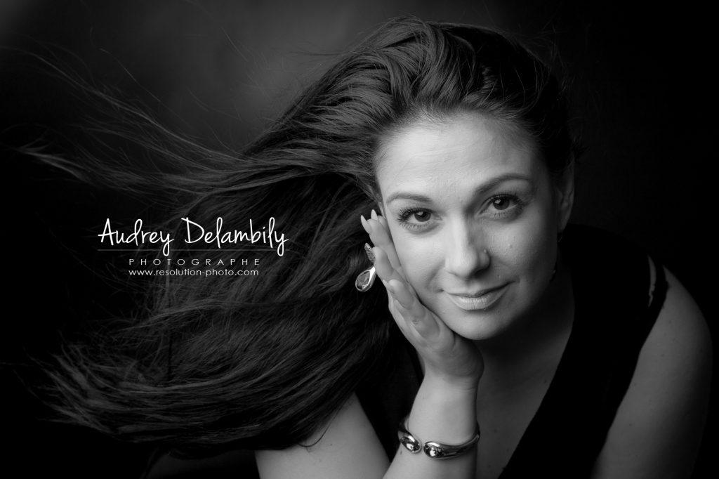 seance-photo-femme-studio-toulon-audrey-delambily-photographe-2