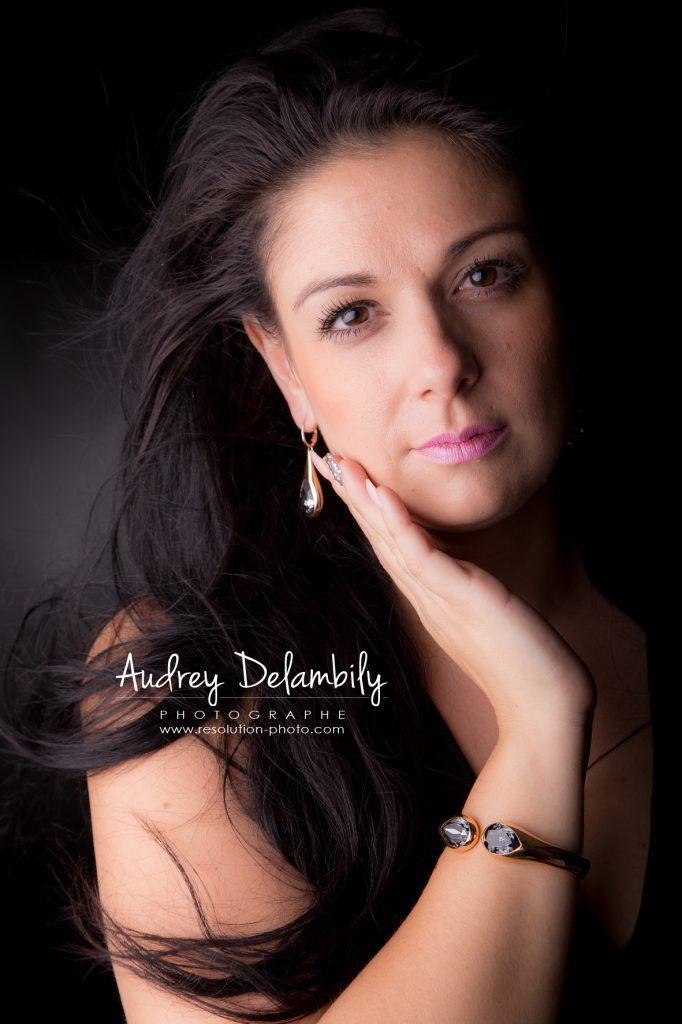 seance-photo-femme-studio-toulon-audrey-delambily-photographe-3
