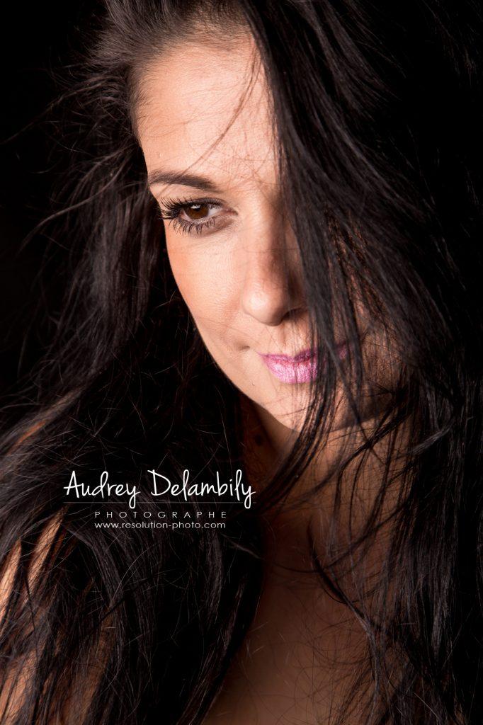seance-photo-femme-studio-toulon-audrey-delambily-photographe-5