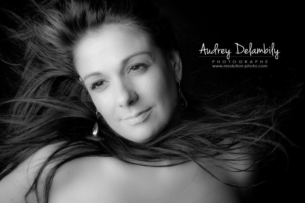 seance-photo-femme-studio-toulon-audrey-delambily-photographe-7