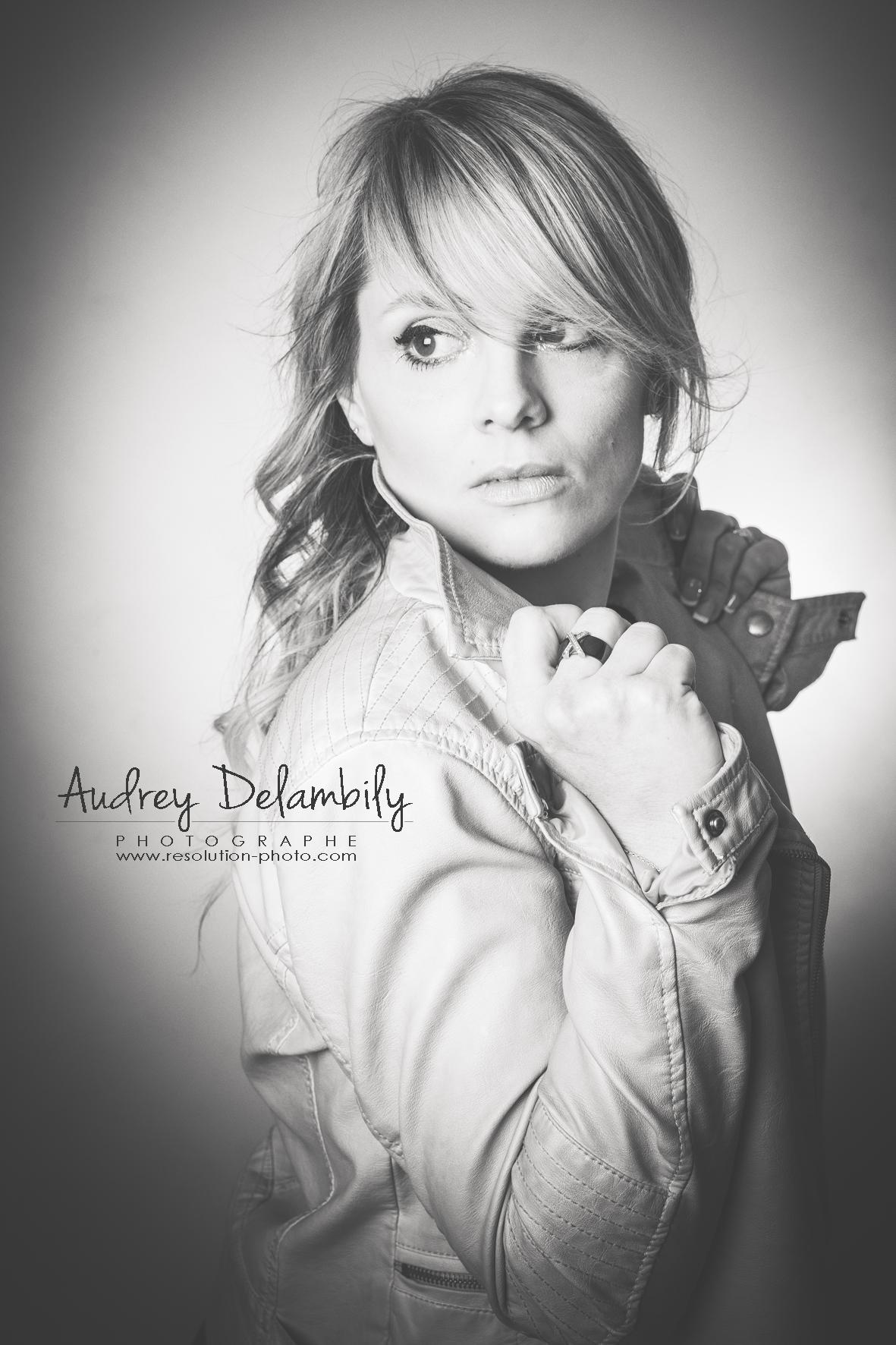 portrait-femme-gwenaelle-studio-toulon-audrey-delambily