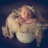 newborn-photographe-var-toulon-seance-photo-bebe-dort-audrey-delambily