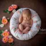 seance-photo-bebe-fleurs-toulon-hyeres-bandol-sanary-var-audrey-delambily-photographe