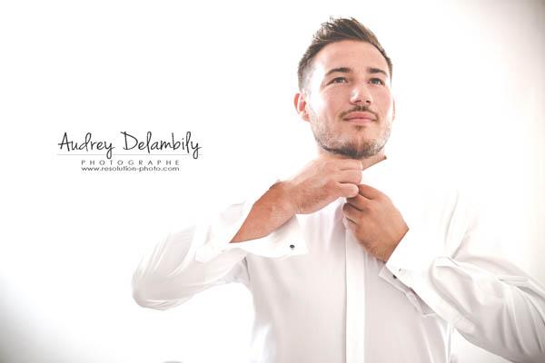 habillage-homme-costume-mariage-audrey-delambily-photographe-provence-var-toulon