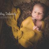 nouveau-ne-bebe-seance-photo-toulon-emmaillotement-audrey-delambily-photographe