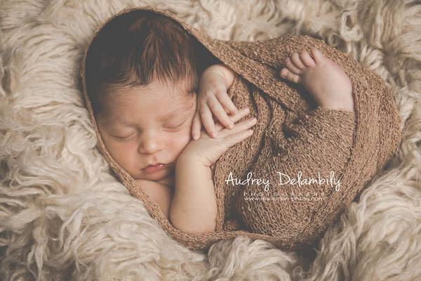 photographe-bebe-newborn-nouveau-ne-toulon-lavalette-lagarde-bandol-sanary-hyeres-var