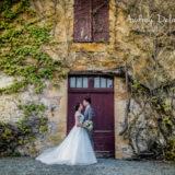 photographe-mariage-dordogne-domaine-essendieras-couple-amoureux-grange-ancienne-audrey-delambily-toulon-var