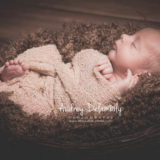 seance-photo-newborn-bebe-toulon-lavalette-lacrau-sanary-hyeres-posing-photographe-audrey-delambily-var