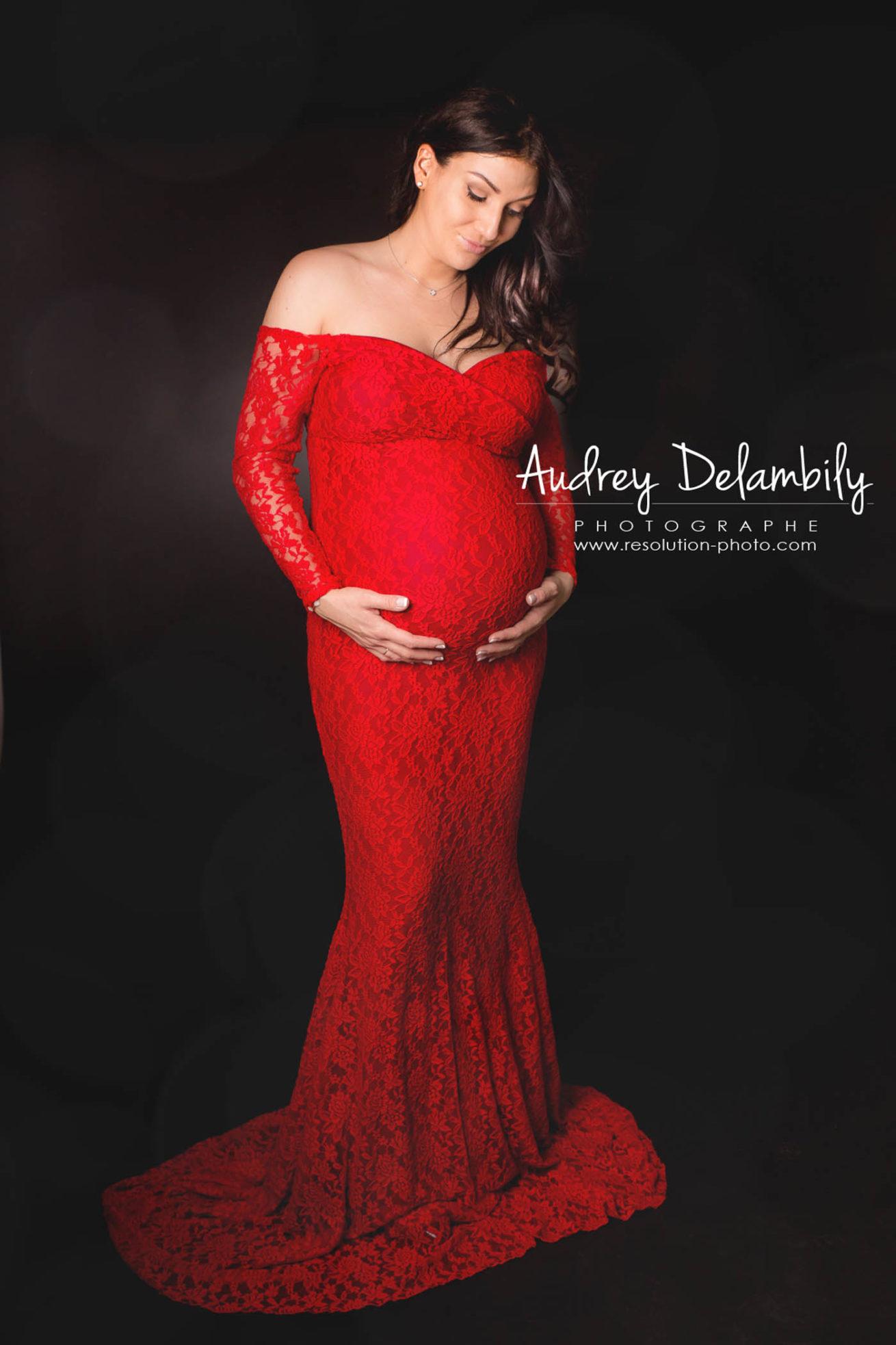 grossesse-studio-femme-enceinte-toulon-audrey-delambily-photographe